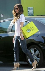 Kate Beckinsale Out In Santa Monica October 17, 2012 MQ x 5