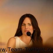 Imagenes/Videos Promocion de Amanecer Part 2 (USA) B49900218235048