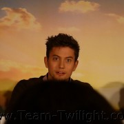 Imagenes/Videos Promocion de Amanecer Part 2 (USA) D23db5218233498