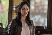 "Kristin Kreuk - Beauty and the Beast S01E07 ""Trapped"" Stills (3xLQ)"