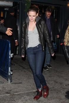 Kristen Stewart - Imagenes/Videos de Paparazzi / Estudio/ Eventos etc. - Página 31 3d81e2225749140