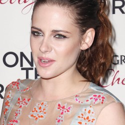 Kristen Stewart - Imagenes/Videos de Paparazzi / Estudio/ Eventos etc. - Página 31 4a8d62225857391