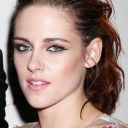 Kristen Stewart - Imagenes/Videos de Paparazzi / Estudio/ Eventos etc. - Página 31 D6bf23225853000