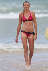 46044f228810257 Daniela Hantuchova ~ Bikini at the beach / Brisbane, Dec 27 '12 candids