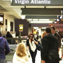 Kristen Stewart - Imagenes/Videos de Paparazzi / Estudio/ Eventos etc. - Página 31 F6ee0f229010661