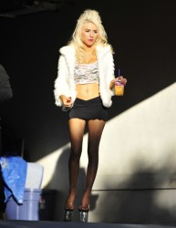 9b1572230122550 Courtney Stodden ~ Outside her home / Hollywood Hills, Jan 2 '13 candids