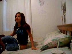 Jovencita brasilera amateur filmada a escondidas