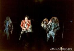 BAD WORLD TOUR  Ab88a4232525146