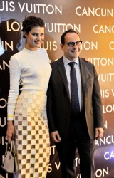 Isabeli Fontana - Louis Vuitton store opening in Cancun 1/25/13