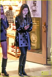 Miranda Cosgrove - out shopping in Calabasas 1/28/13