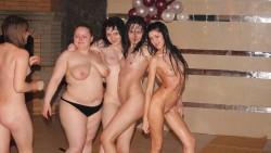 Подруги голые в сауне