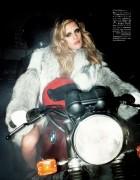 Vogue Japan (January 2013) D1d2e2236644468