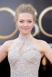Amanda Seyfried - 85th Annual Academy Awards in Hollywood 2/24/13