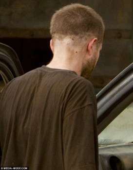 Imagenes videos en el set de The Rover 1316d1241380362