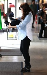 Jenna Dewan-Tatum - Shopping in LA 3/6/13