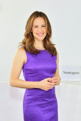 Jennifer Garner - Neutrogena Sun Summit in NYC 3/13/13