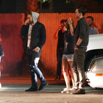 Robsten - Imagenes/Videos de Paparazzi / Estudio/ Eventos etc. - Página 10 19faee248202252