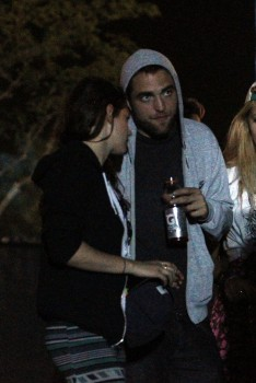 Robsten - Imagenes/Videos de Paparazzi / Estudio/ Eventos etc. - Página 10 F1905c248710118