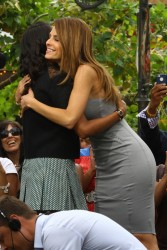 Maria Menounos & Kerry Washington - on the set of Extra in LA 5/8/13
