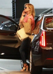 Reese Witherspoon - out in Beverly Hills 5/16/13