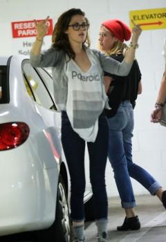 Kristen Stewart - Imagenes/Videos de Paparazzi / Estudio/ Eventos etc. - Página 31 Cfc3a2256029879