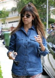 Kourtney Kardashian - Out in LA 5/24/13