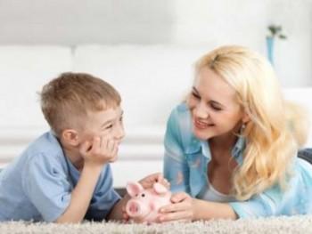 Mengajarkan anak hdup hemat - Ist