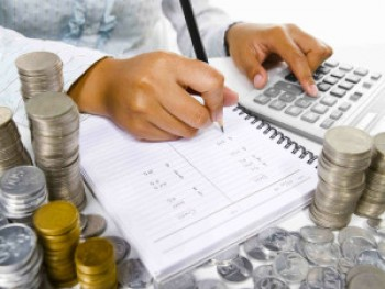 Mencatat pengeluaran per bulan - Ist