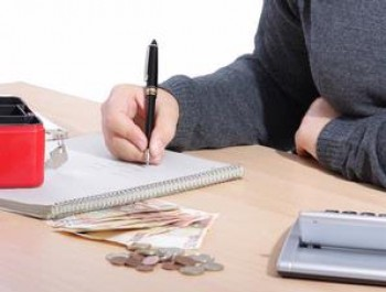 Mengelola keuangan - Ist