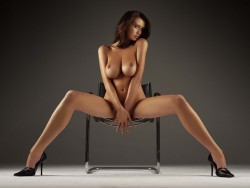 http://thumbnails103.imagebam.com/26919/075f8d269182126.jpg