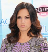 Alexis Knapp - Teen Choice Awards 2013 at Gibson Amphitheatre in Universal City   11-08-2013   22x 4ad765270053255