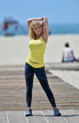 e49aa1270454323 [Ultra HQ] Carrie Keagan   at a photoshoot in LA 8/13/13 high resolution candids