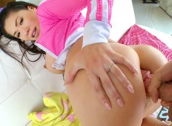 Asian Porn-Star Does Anal! -Starring: London Keys