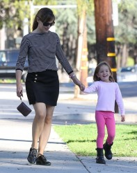Jennifer Garner - out in Santa Monica 9/6/13