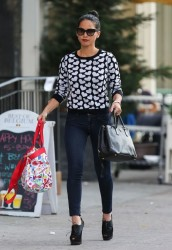Olivia Munn - Shopping in NYC 9/30/13