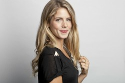 23b629279536553 Emily Bett Rickards – Amy Sussman Portrait Shoot – 2013 photoshoots