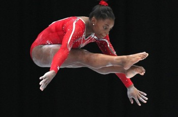 Simone Biles is Artistic Gymnastics All Around WORLD CHAMPION (1 pic)
