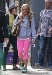 Carrie Underwood - Leaving the gym in NYC 11/1/13