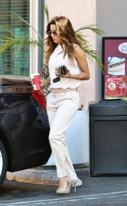 7041b3287256524 Eva Longoria – out and about candids in Century City