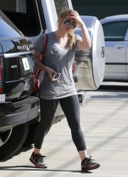 Hilary Duff - heads to the gym in West Hollywood 11/11/13