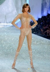 Karlie Kloss - Victoria's Secret Fashion Show in NYC 11/13/13