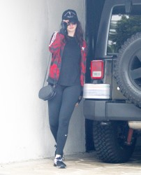 Anne Hathaway - At the gym in West Hollywood 5/26/17