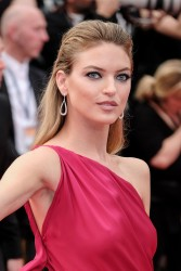 Martha Hunt -              ''The Double Lover'' Premiere Cannes May 26th 2017.