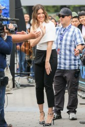 Mandy Moore - On the set of 'Extra' in LA 5/31/17